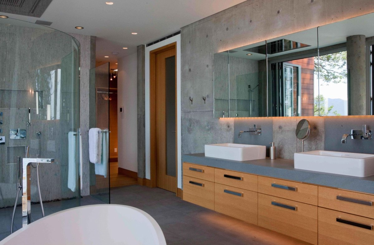 Modern St. Louis Bathroom Design & Remodel